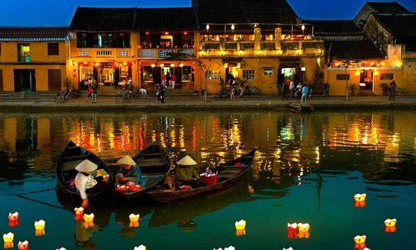Tháng 8 này nên đi du lịch ở thành phố biển nào trong nước?